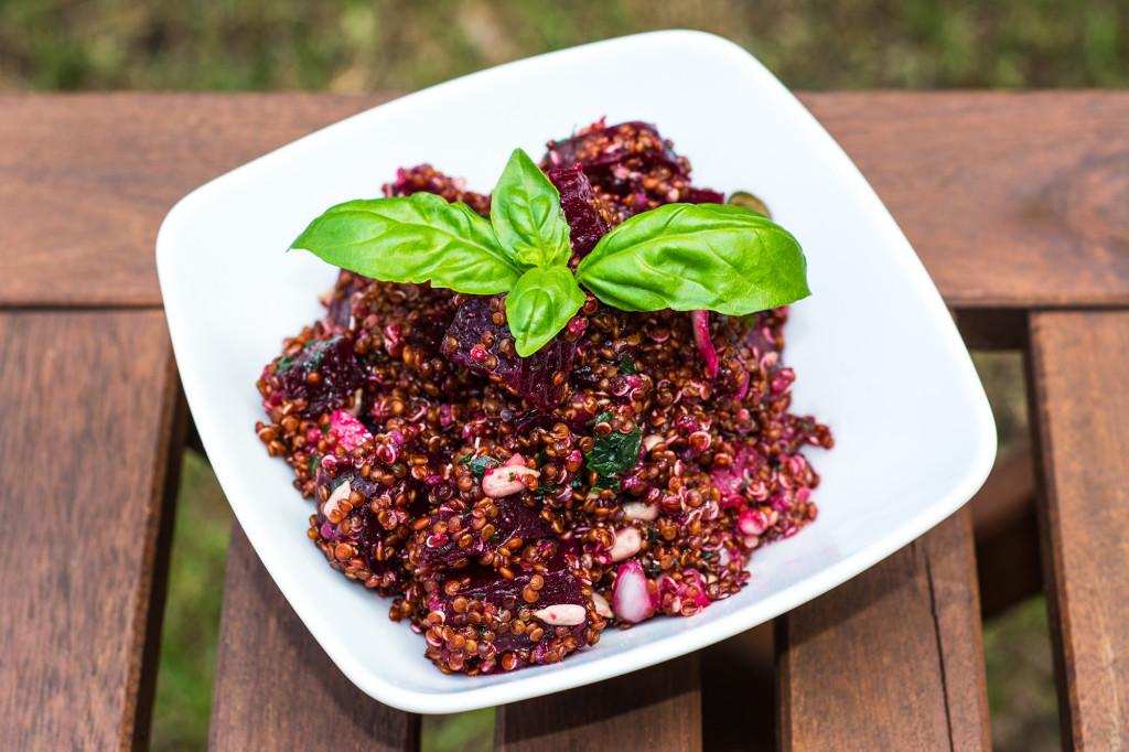 Gekeimter Quinoa-Rote Bete-Salat